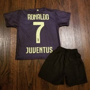 Juventus CR7 kid's soccer Jersey and shorts